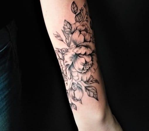 flowers design forearm tattoo idea