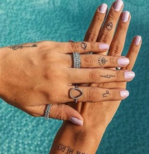 small tattoos on fingers